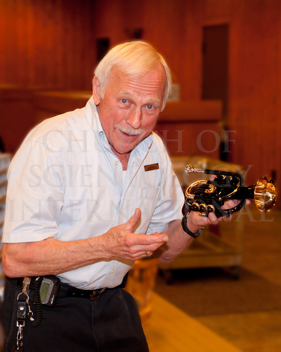 Ron-Miscavige-with-his-Trumpet-Gift