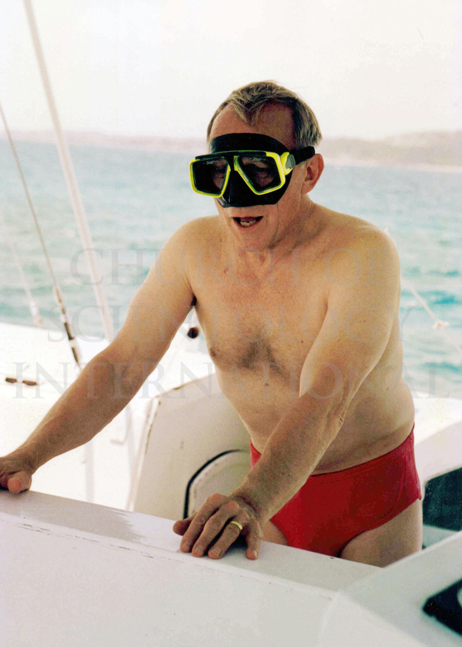 Ron Miscavige in snorkeling gear